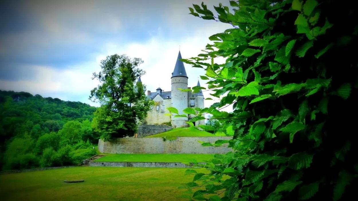 Van sprookjeskasteel in Celles tot kennismaking met Ardense leisteenmijn in Bertrix