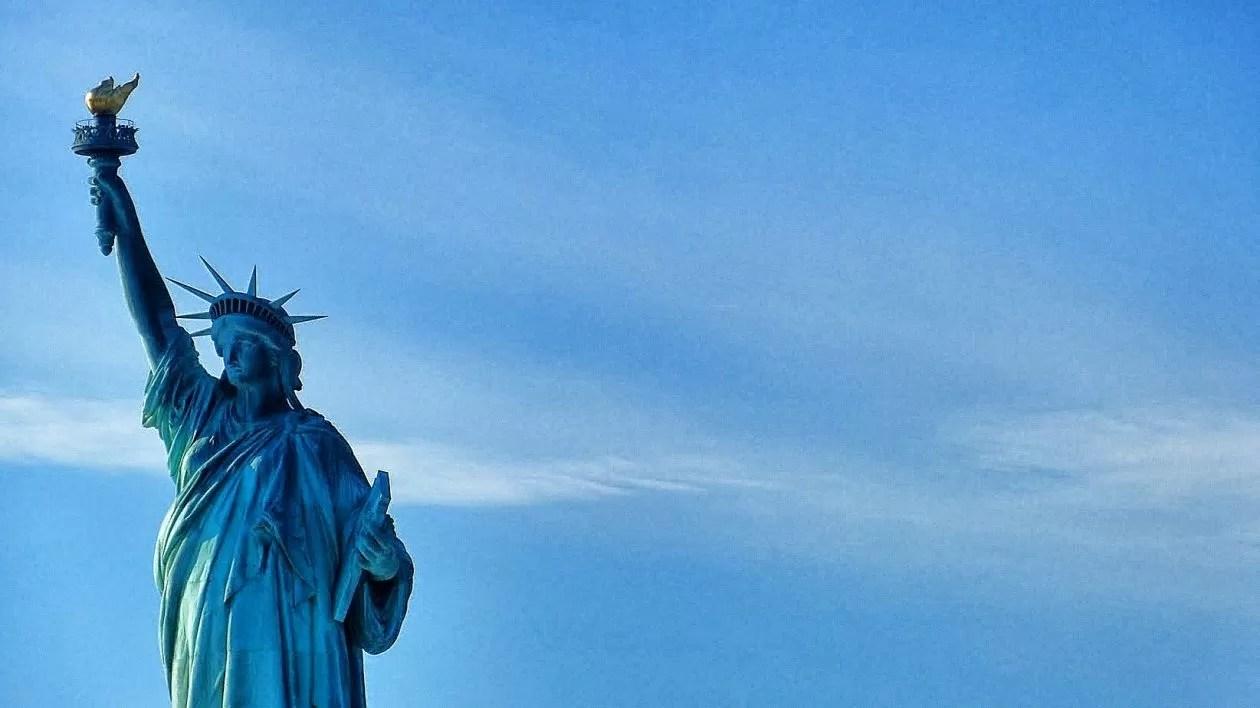 Vrijheidsbeeld eerste keer naar New York