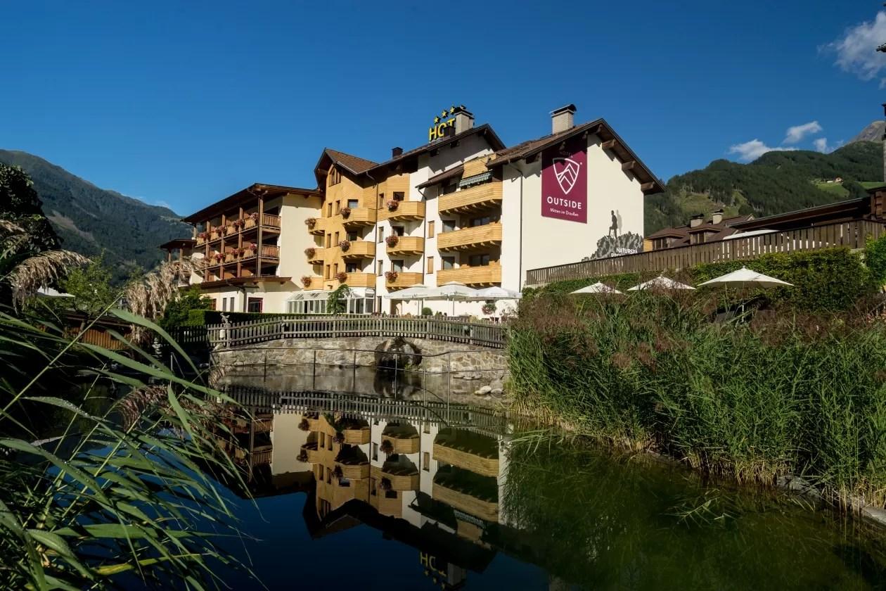 Hotspot: eco-hotel Outside & restaurant Inside in Oost-Tirol