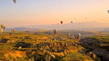 hot-air-ballons-828967_1920