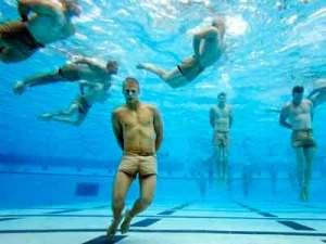 prueba ahogamiento de los Navy Seals