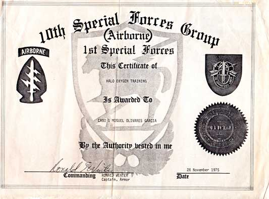 Diploma salto HALO Mikel Olivares
