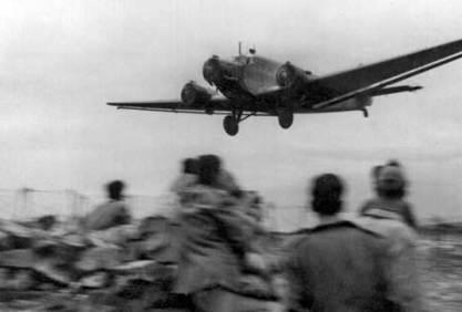 Avión N2 Sección Paracaidista del Tte. Ortíz de Zárate