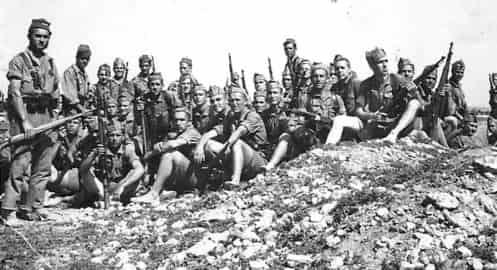 un descanso de tropas en Ifni