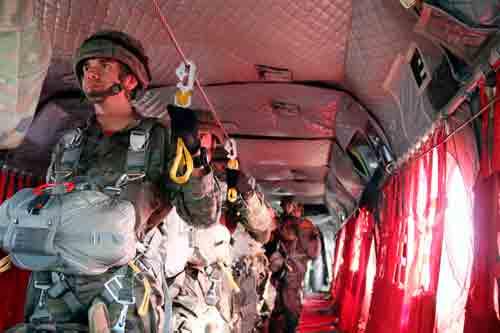 Curso básico paracaidistas de apertura automática
