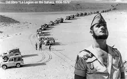 Legionario fondo columna en Sahara