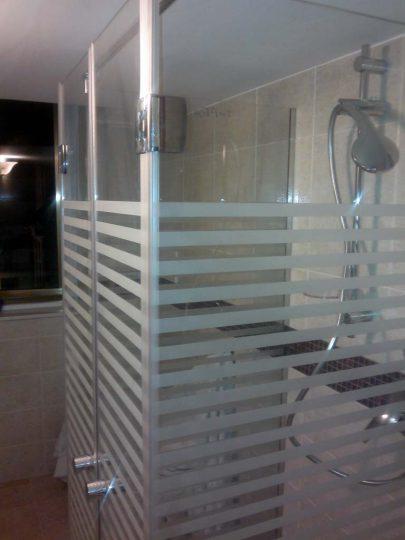 Cabine doccia con vetro a strisce satinato  Vetrarte GR