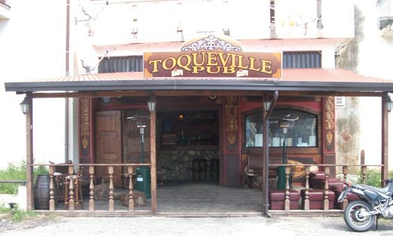 Toqueville Pub  Vetrine di Calabria