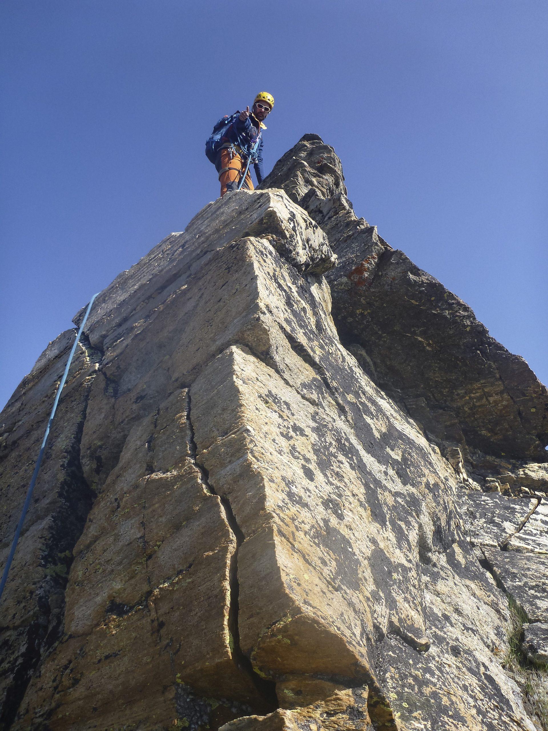 Ci si può divertire su alcuni pilastroni di salda roccia (gneiss)