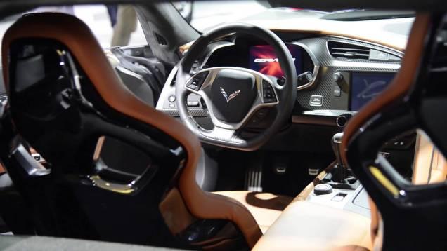 2015 Chevrolet Corvette Z06 Interior & Details – Detroit 2014 Walkaround