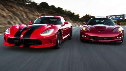 SRT Viper GTS vs Chevrolet Corvette ZR1!
