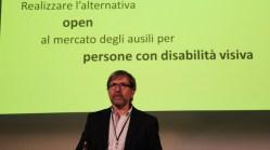 La foto mostra il Prof. Massimiliano Salfi al TEDx 2018