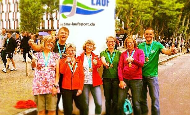So sehen Sieger aus: VfL-Team beim 21. Stuttgart-Lauf!