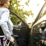 VfmP informiert: Querschnittgelähmte Klägerin hat Anspruch auf Übernahme der Kosten für ein behindertengerechtes Fahrzeug