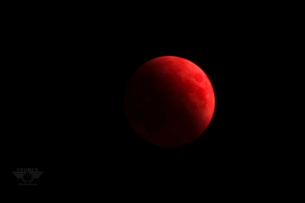 2014Oct08 red moon