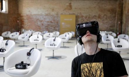All the world's on stage with virtual reality goggles