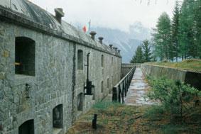 Escursionismo sulla Via Alpina  Forte Venini o Forte di Oga