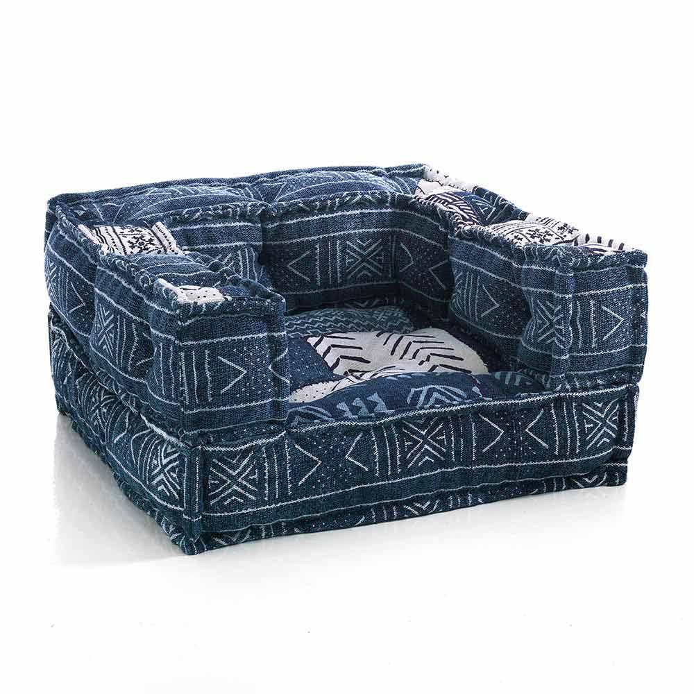 fauteuil lounge colore en tissu patchwork et velours