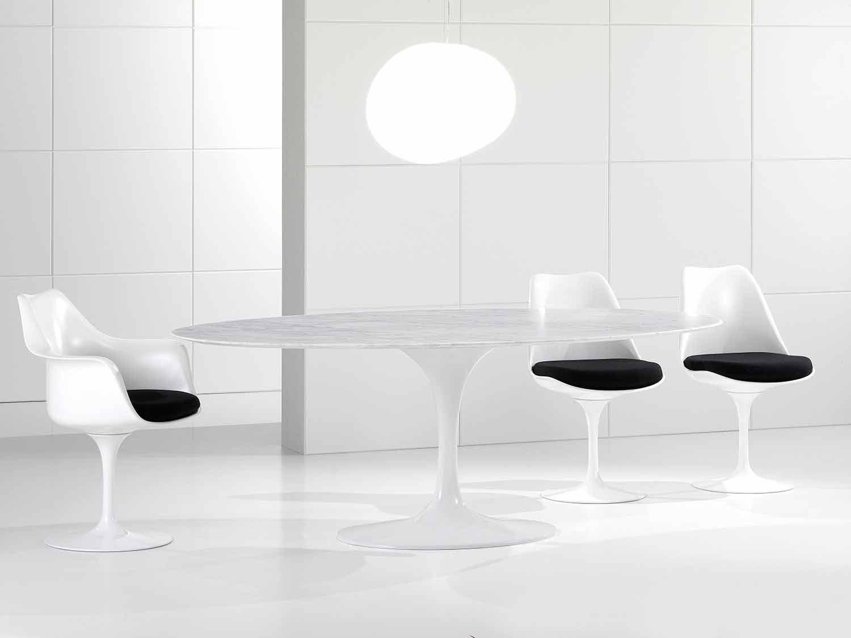table de salle a manger ovale de luxe plateau en marbre de carrare fabrique en italie nerone