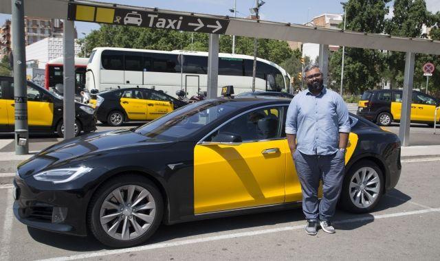 Syed Juanid ha porta el primer taxi Tesla a Barcelona | Adriana Pérez