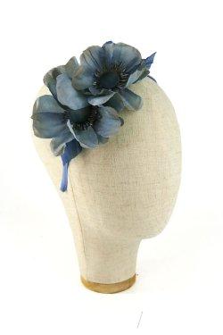 Cerchietto con fiori di seta azzurro