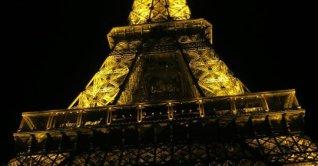 Jantar romântico na Torre Eiffel
