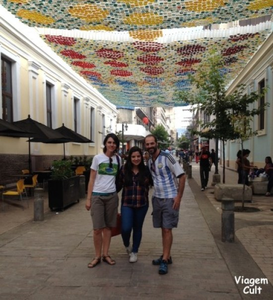 Encontro com a blogueira hondurenha Maria Paz, em frente ao MIN