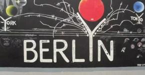 A Berlino percorri il Muro in bici