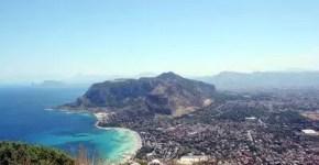 Una vacanza nella Sicilia low cost tra mare e cibo