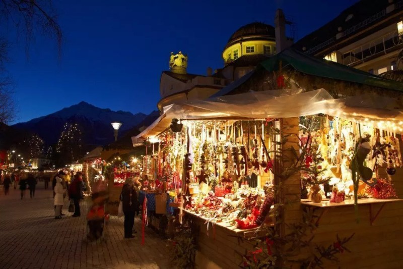 bolzano-natale-piazza-sera