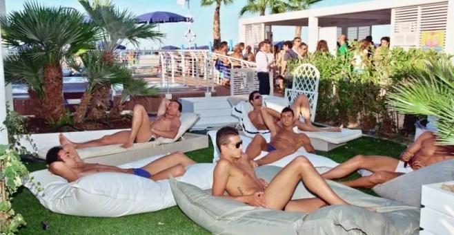 Massaggio in spiaggia a Riccione con Smartbox