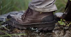 Geox testa a Cherrapunjee le sue scarpe più estreme