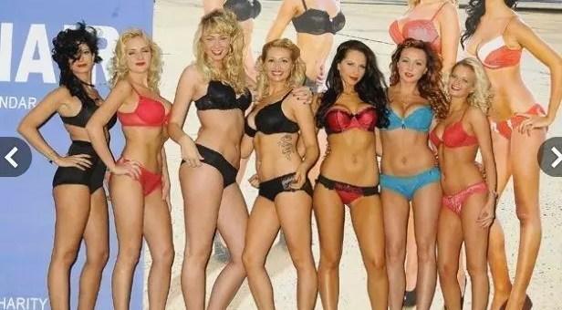 Calendario 2013 Ryanair, hostess in bikini per beneficenza