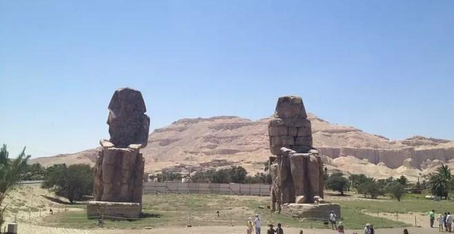 Colossi di Memnone, escursione in Egitto prima della Valle dei Re