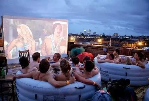 Cinema estivo sui tetti di Londra: Hot Tub Cinema
