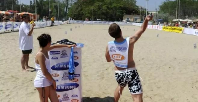 Il campionato di lancio del telefonino fa tappa in Umbria