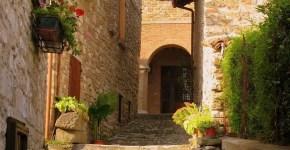 Frontino, piccolo borgo medievale nel Montefeltro
