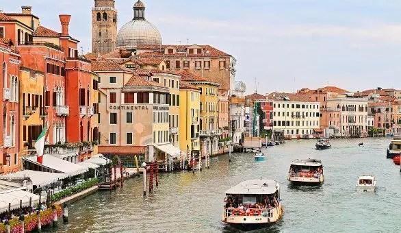 Come muoversi a Venezia, tutte le informazioni sui vaporetti