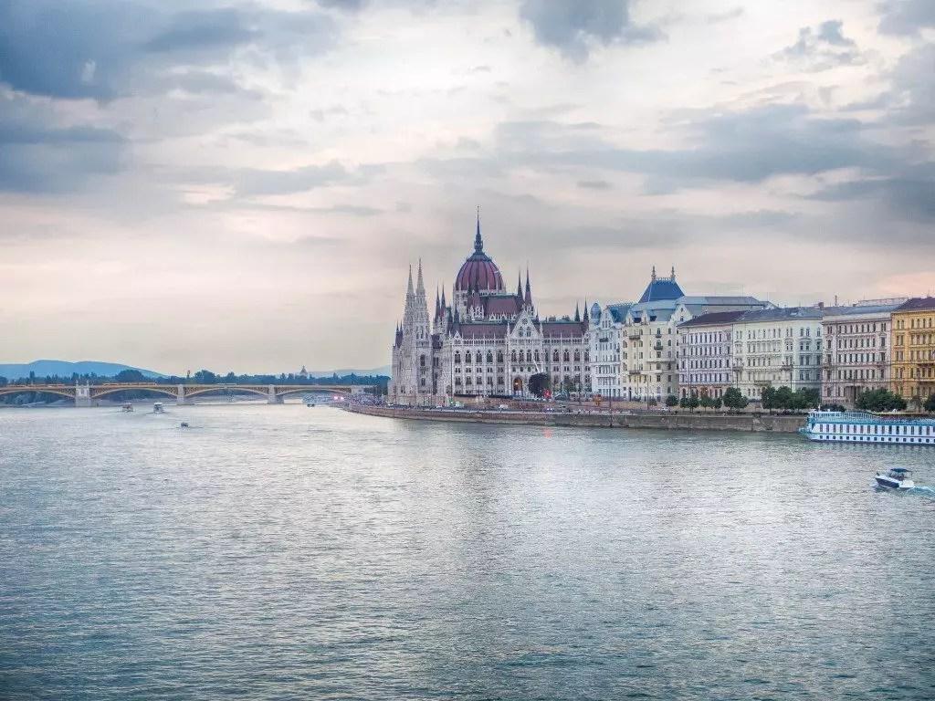 Budapest cosa vedere parlamento for Quanti sono i membri del parlamento italiano