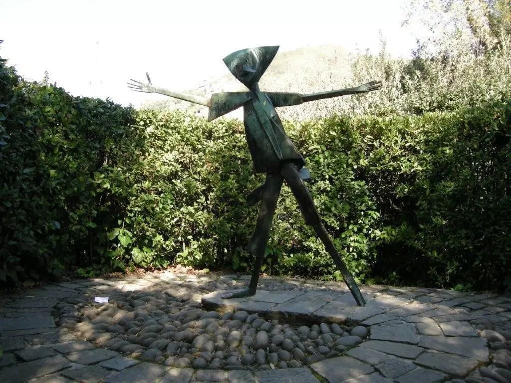 collodi-statua-pinocchio