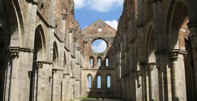 San Galgano: l'Abbazia e la leggenda della spada nella roccia