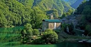 Dal Ponte del diavolo alla Grotta del Vento: un itinerario alla scoperta della Garfagnana