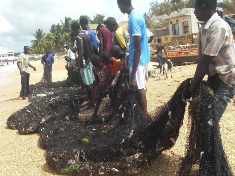 Pescatori a Saly Senegal