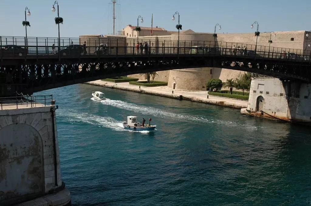 taranto-barca