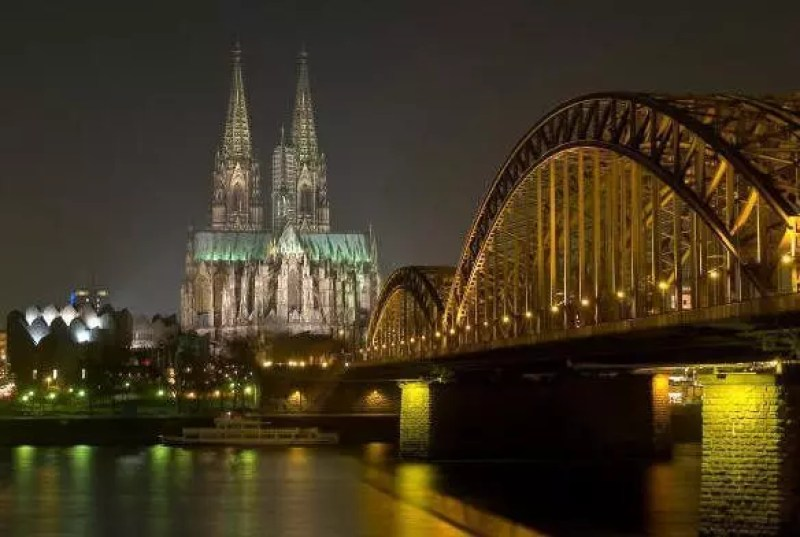 Colonia-cattedrale