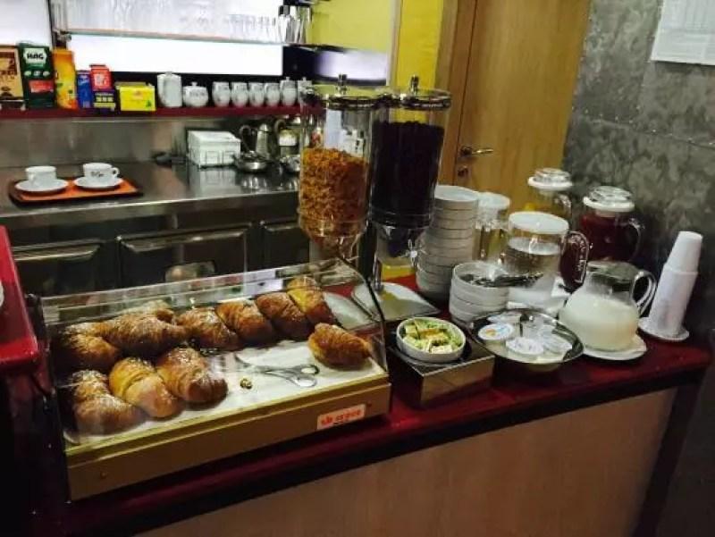 hotel-cristal-colazione