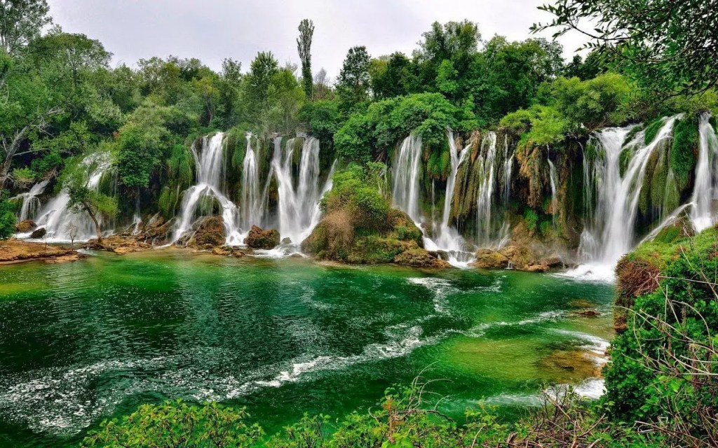 mostar-Kravice waterfalls