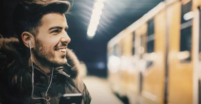 Audible, ascoltare in viaggio come a casa gli audiolibri