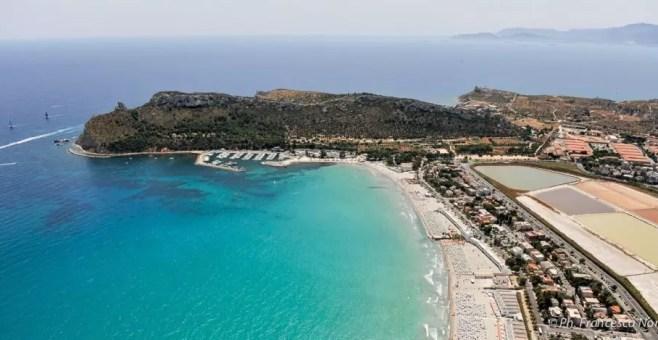 Il Poetto, Cagliari: la spiaggia sul Golfo degli Angeli