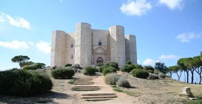 Un viaggio tra i 7 castelli medievali più belli in Italia